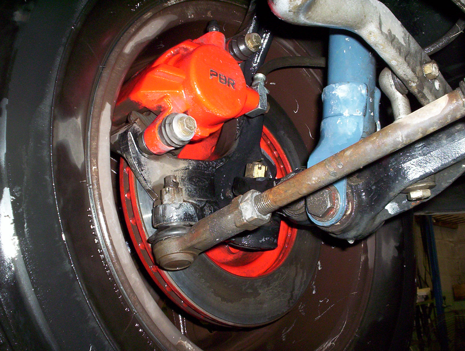 My Front brakes on 88EA sedan. 002.jpg
