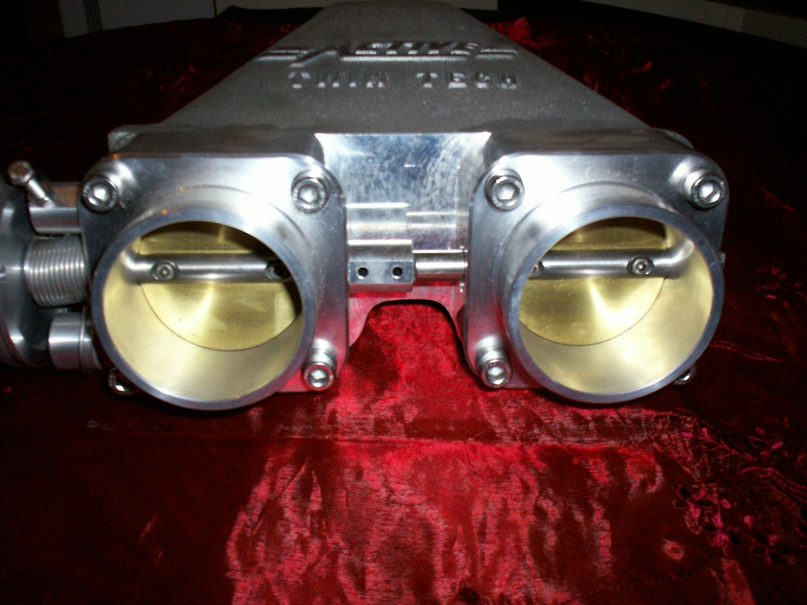 4bbl injection and twin throttle body 005.JPG