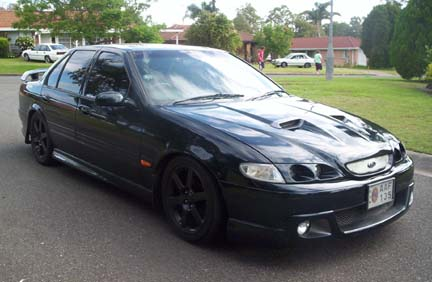 EF_XB_AU_BA- Black 17in Wheels 006.jpg