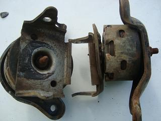 v8 engine mounts sml.JPG