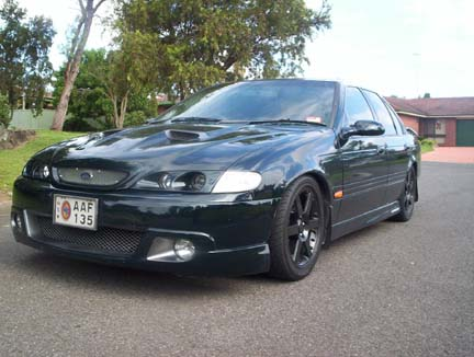 EF_XB_AU_BA- Black 17in Wheels 008.jpg