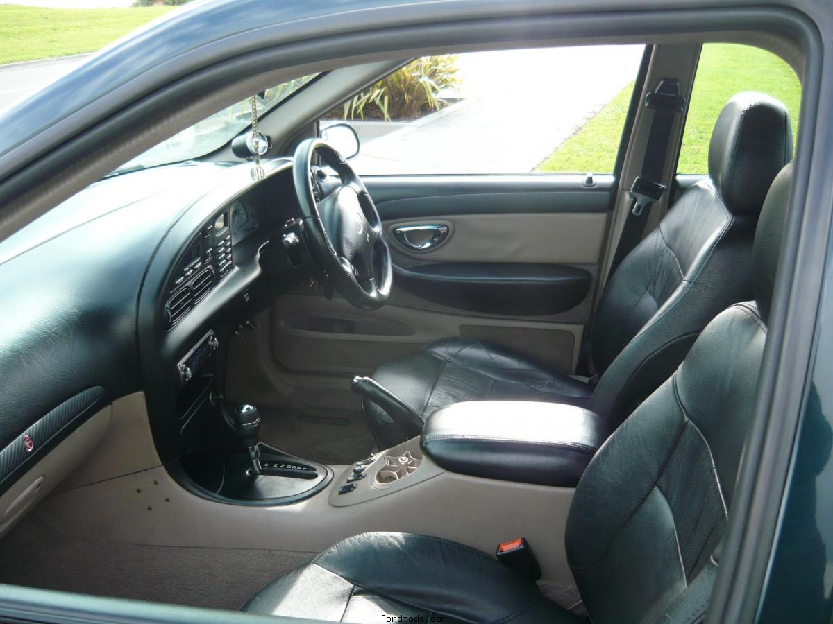 Interior 2012 - Black Leather/Cappa/Carbon fiber highlights