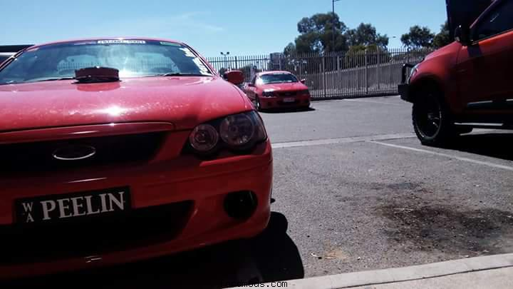 Rolling with burnout cars at red centre nats